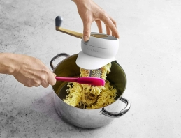 Presse purée - Mashed Potato Maker - BETTY BOSSI